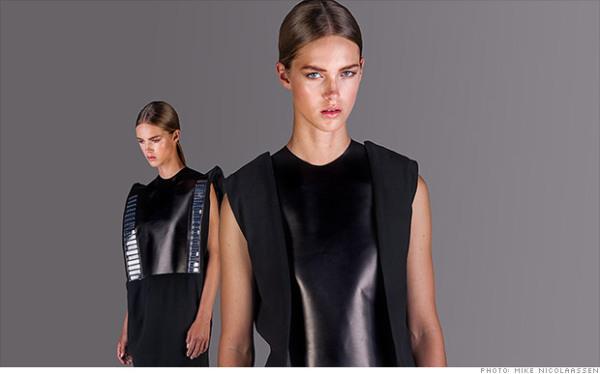 140908164007-solar-dress-2-620xa